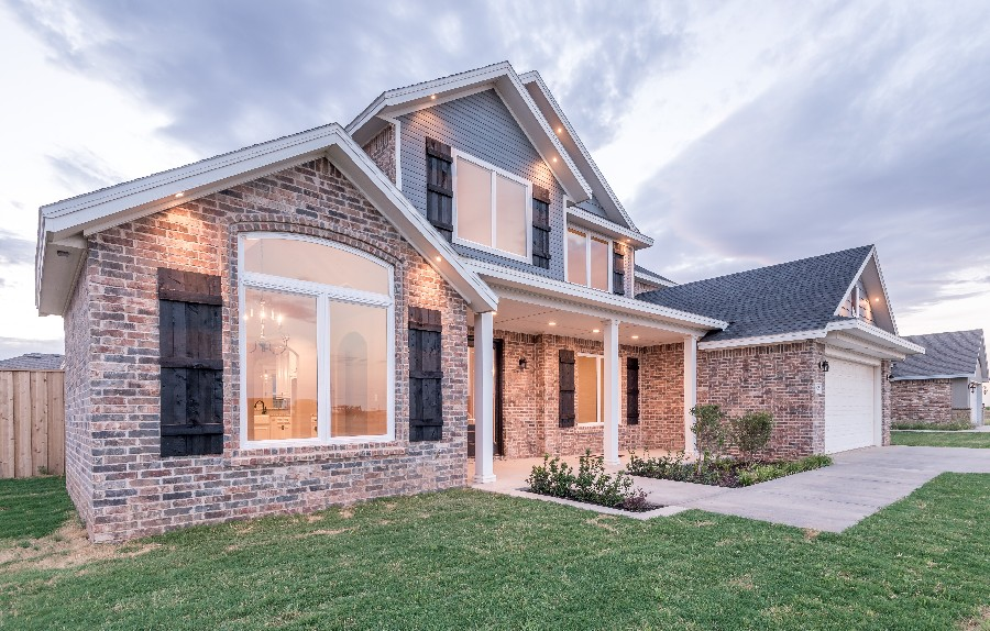 Beautiful, Two Story Shallowater Home – 825 Avenue T